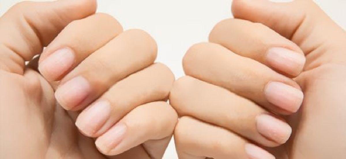 Blanchir ses ongles avec du dentifrice