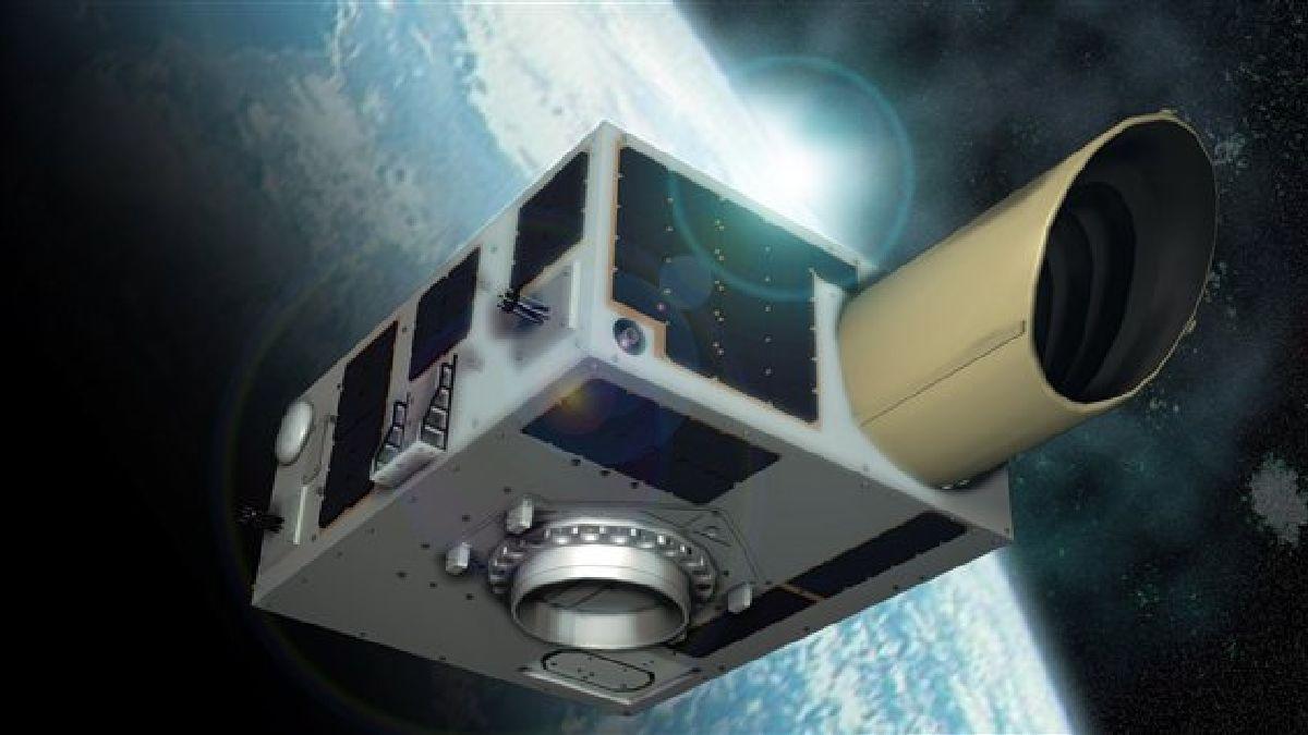 Deux satellites canadiens seront lancés lundi en Inde