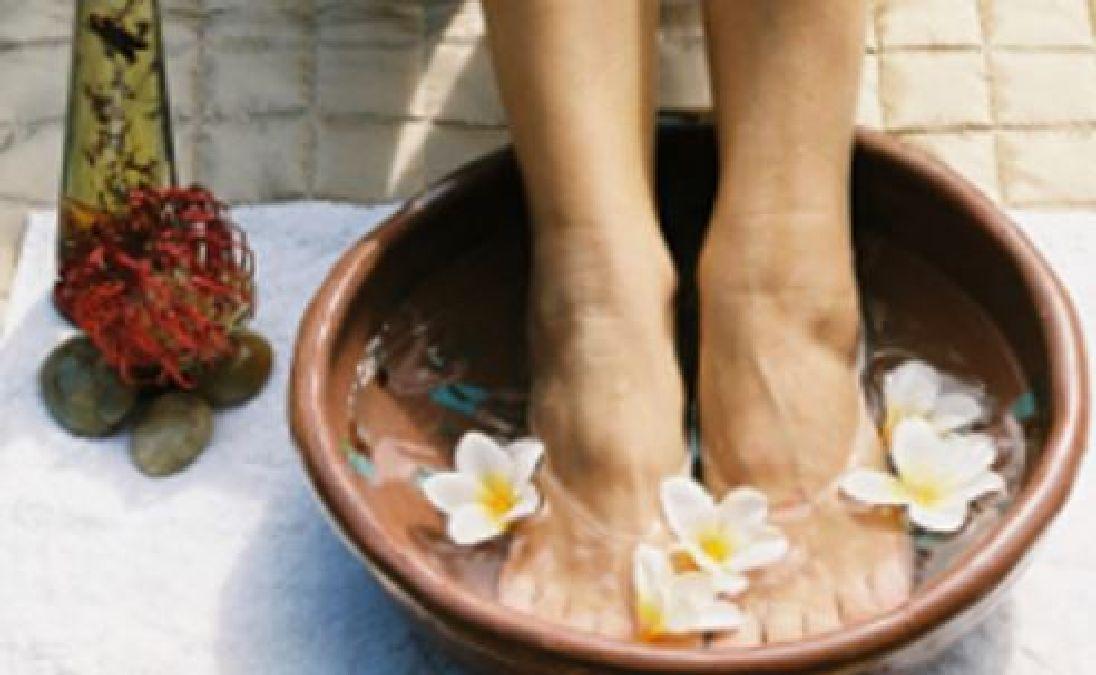 Bain de pieds spécial anti-transpiration à faire chez soi