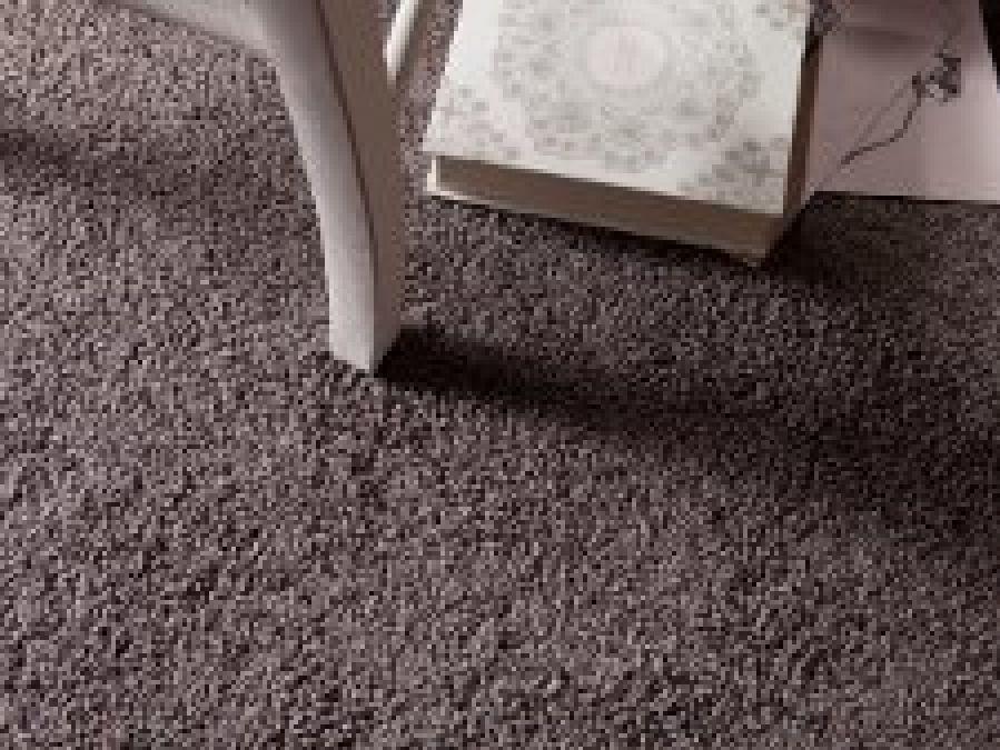 Comment enlever les traces  de meubles sur la moquette ?