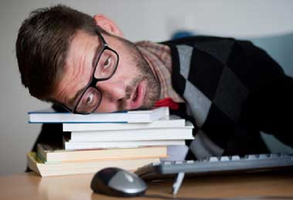When tired, areas of the brain become dormant during awakening
