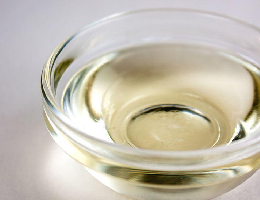 Voir ce qui arrive si vous appliquez ces deux huiles sur votre visage avant d'aller dormir
