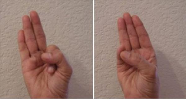 Ceci fait vraiment des merveilles : Tenez votre main dans cette position et regardez ce qui va se passer !