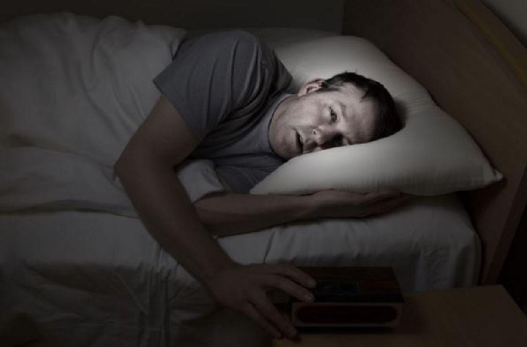 Voilà pourquoi vous vous réveillez chaque nuit ! (et comment  régler ce problème)