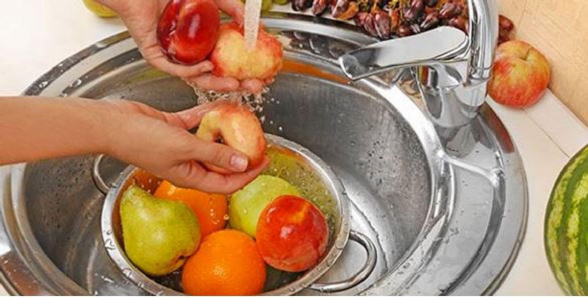 Comment nettoyer vos fruits et légumes  pour éliminer les pesticides