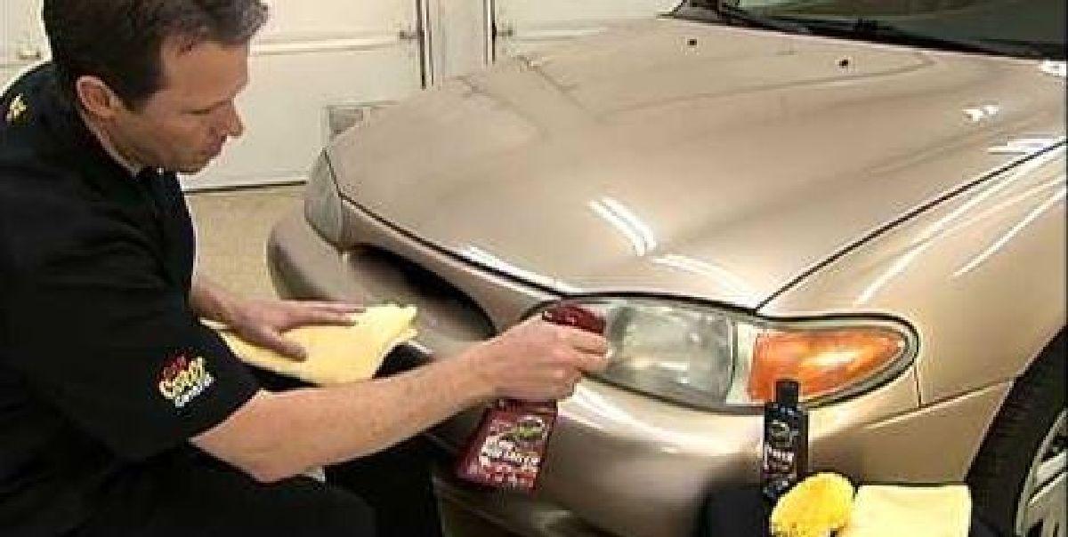 Une idée astucieuse pour faire briller les phares de votre voiture !