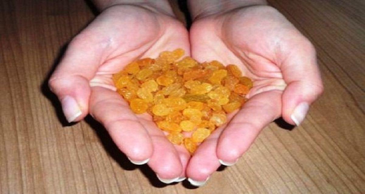 Qu'est-ce qui arrive à votre corps si vous mangez une poignée de raisins secs tous les jours?