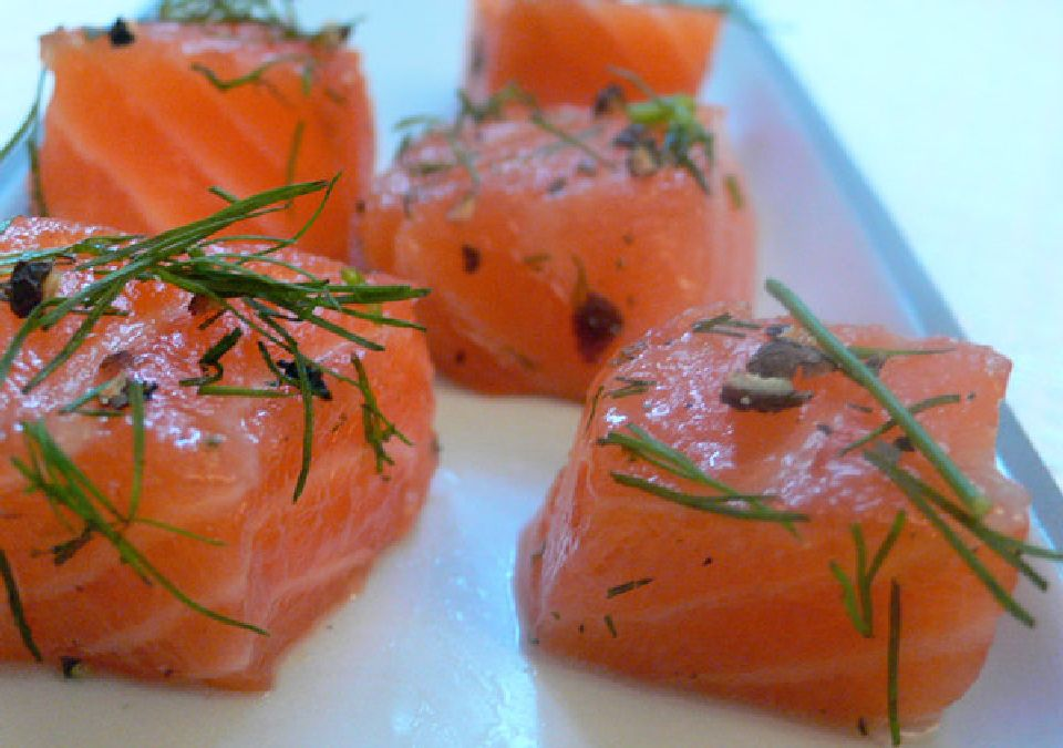 Salmon, a fish that wants us good: discover its benefits
