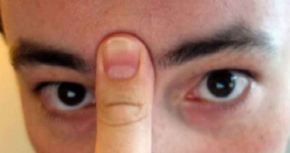 Comment vous débarrasser de votre sinusite en 20 secondes avec votre langue et votre pouce ?