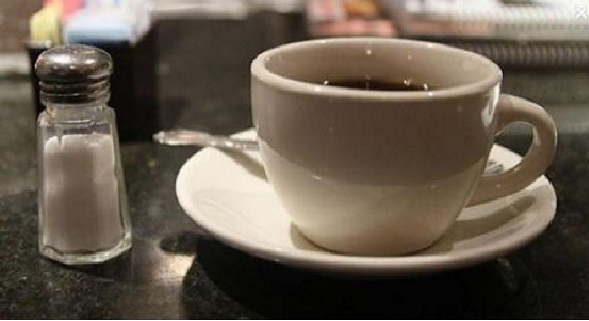 Cela marche toujours ! Savez-vous pourquoi vous devriez ajouter du sel à votre café ?