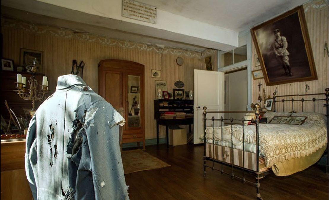A la découverte de la chambre d'un soldat de la première guerre mondiale, intacte après 100 ans
