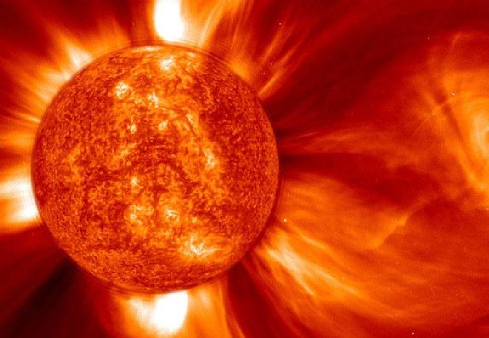 Un canyon de feu de 320 000 km sur le Soleil