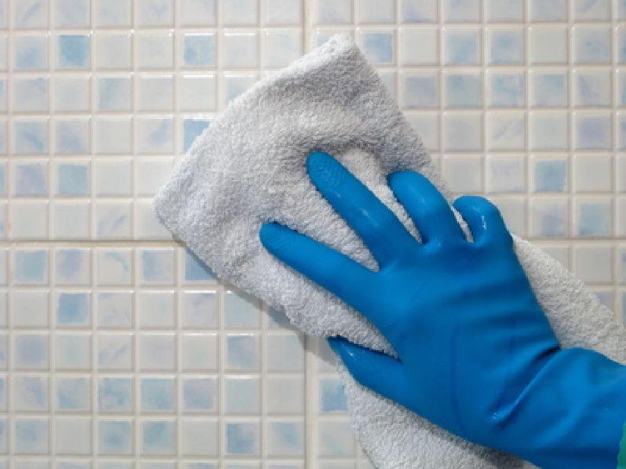 comment enlever les taches de peinture de votre carrelage?