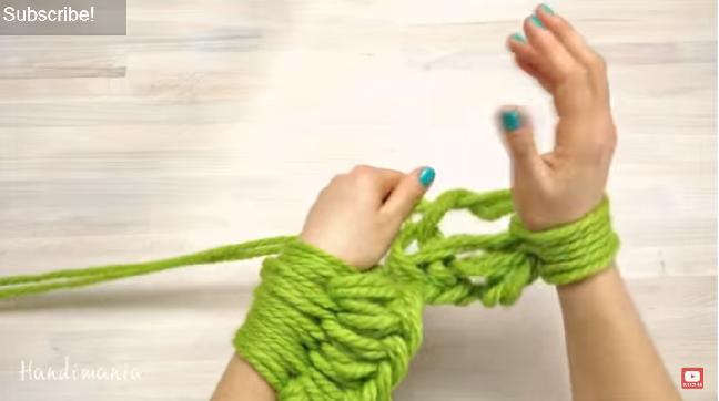 Tricotez-vous une écharpe en laine en 30 minutes