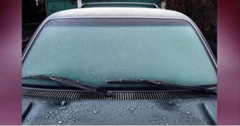 La manière la plus astucieuse d'éliminer le verglas de votre voiture !